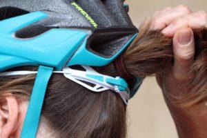 Helm sepeda wanita