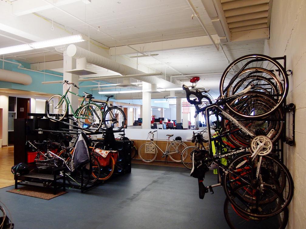 fasilitas di kantor untuk sepeda