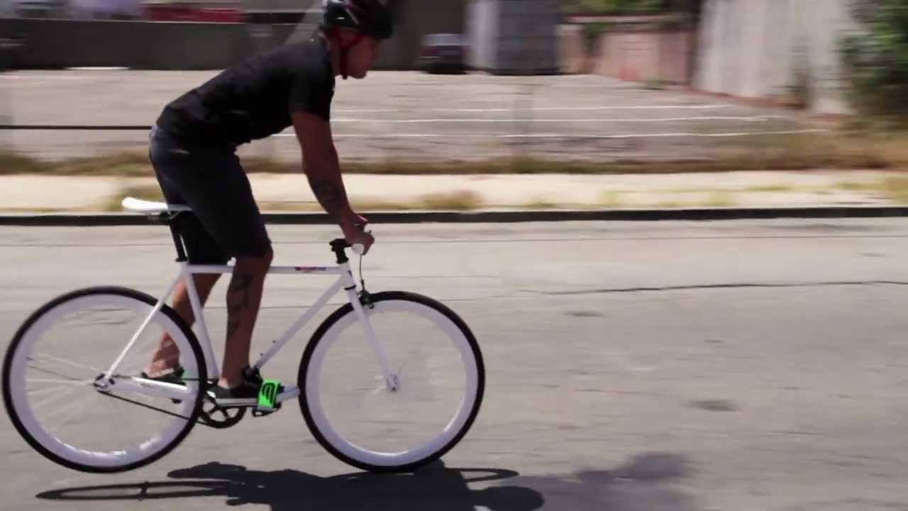 Trik mengerem pada sepeda fixie