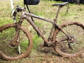 Sepeda berlumpur