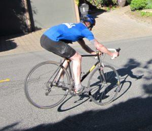 Ban belakang sepeda terangkat