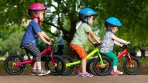 Tahap pertama - Duduk pada balance bike