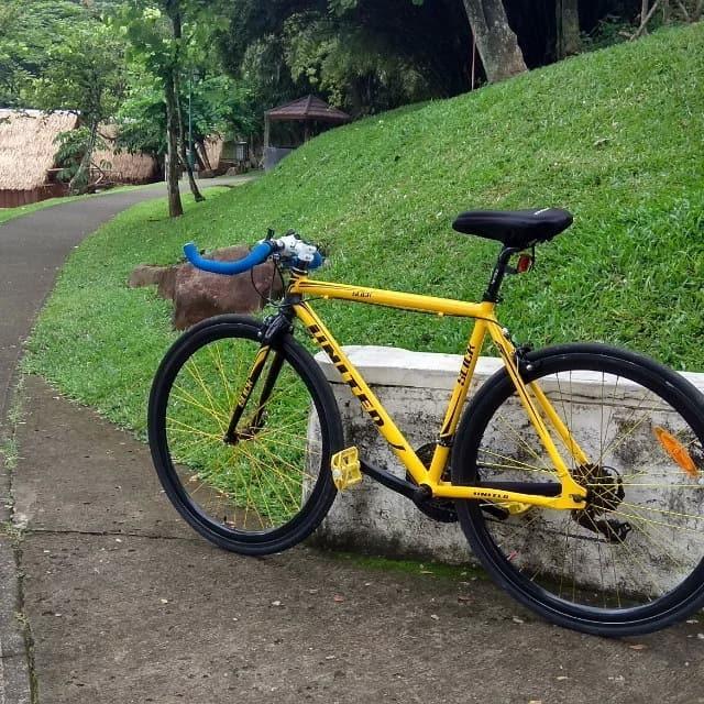 Sepeda balap murah United Slick 71