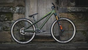 Sepeda gunung Dirt Jump Scott Voltage