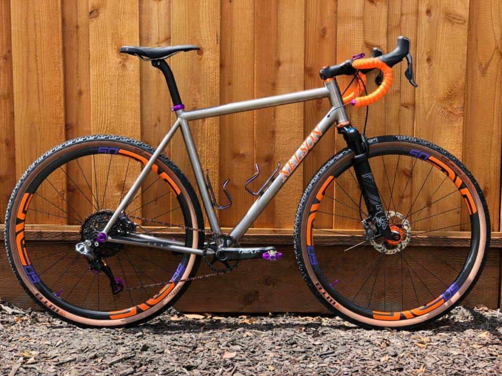 Sepeda gravel dengan suspensi - NTP GravelBike 2018