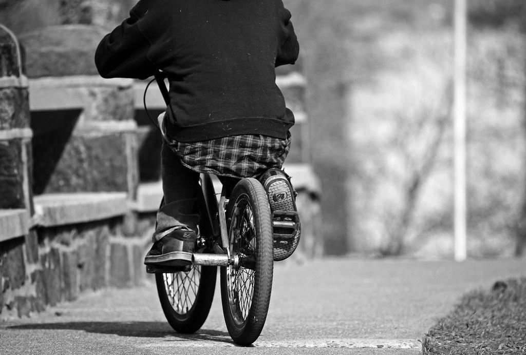 Sadel sepeda yang terlalu pendek