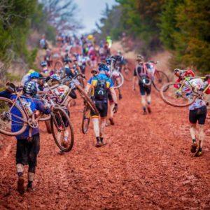 Lebih baik berlari dan mengangkat sepeda