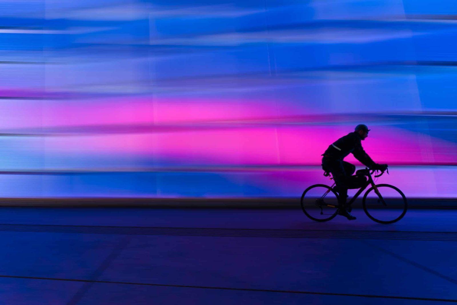 Bersepeda malam hari lebih seru