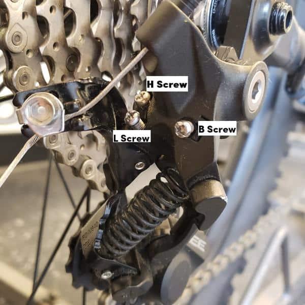 Baut Pengaturan rear derailleur sepeda