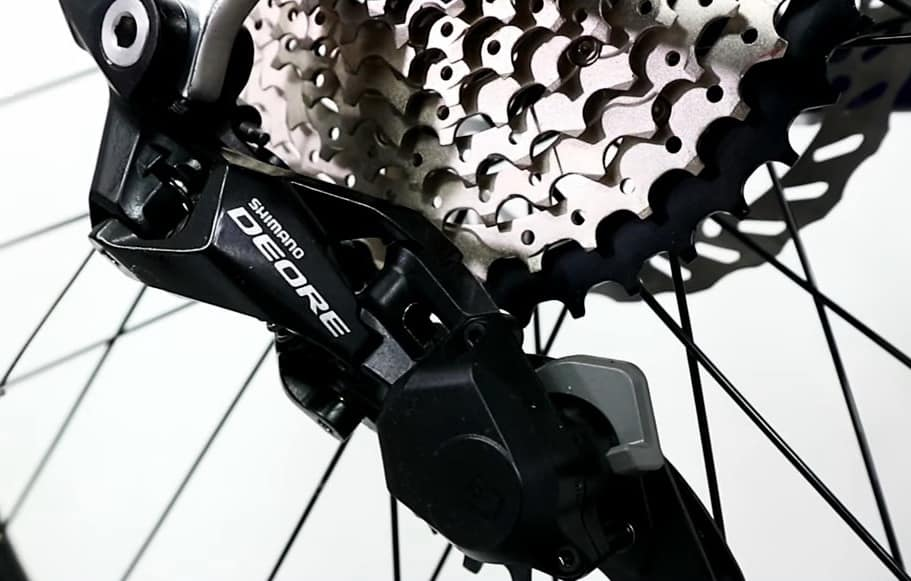 Shimano Deore M6000 Shadow+ pada United Clovis 6