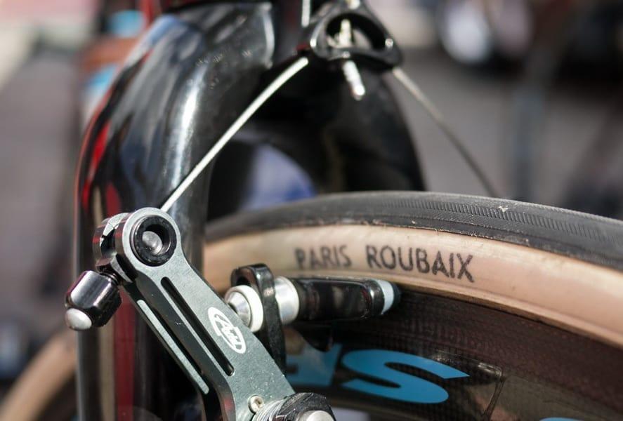 Posisi rim brake pada velg sepeda