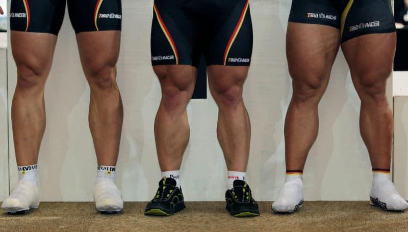 Otot kaki yang besar pesepeda sprinter