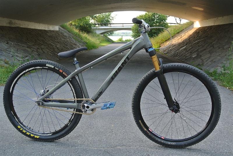 Sepeda BMX Dirt Jump (DJ)