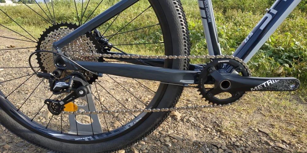 Sepeda gunung 13 speed Shadow Terraduro