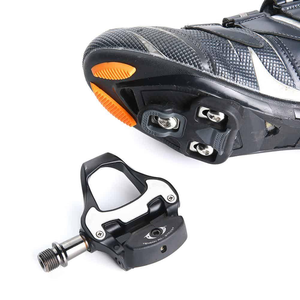 Pedal clipless sepeda balap dengan 3 blots cleat