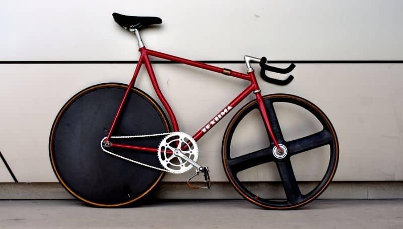 Track bike dengan frame pursuit
