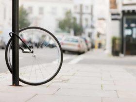 Panduan jenis dan cara memasang gembok sepeda yang aman